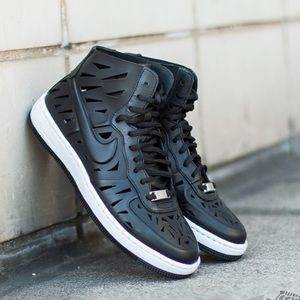 NIKE • AF1 Ultra force Mid Joli Sneakers
